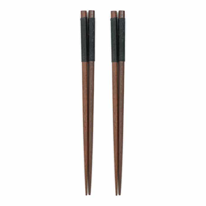 handmade-japanese-chestnut-chopsticks-w-black-wrap-1