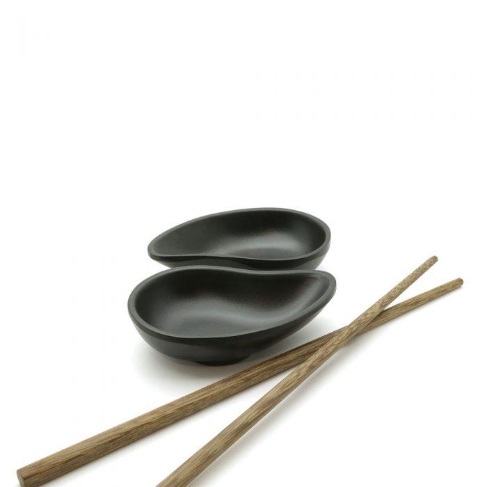 modern-glazed-black-soy-sauce-dish-3