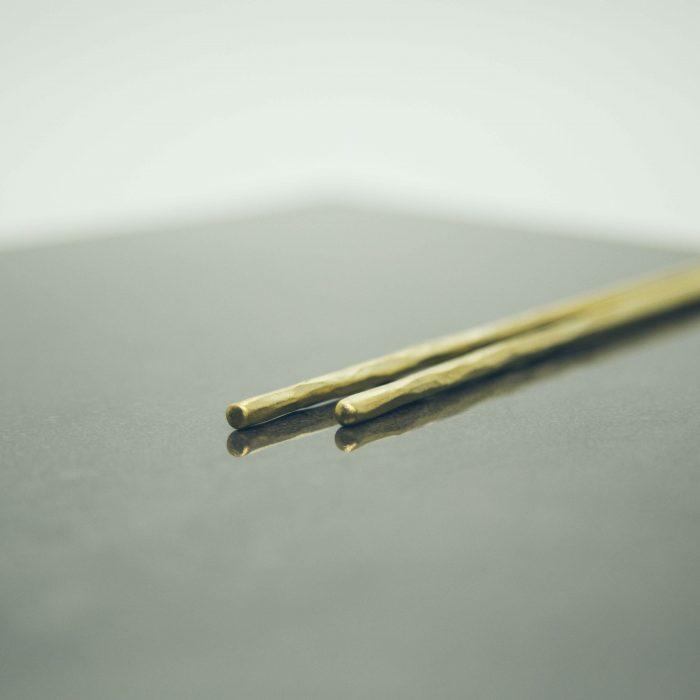 hand-forged-hammered-brass-chopsticks-4