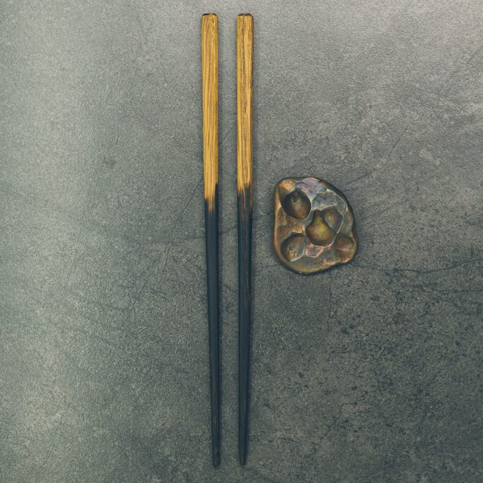 royal-white-oak-chopsticks-w-hammered-copper-rests-1