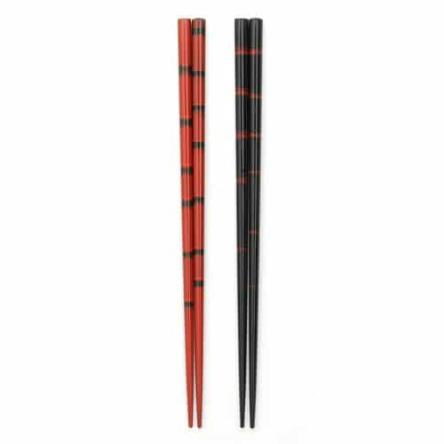 traditional-red-black-japanese-chopstick-set-1