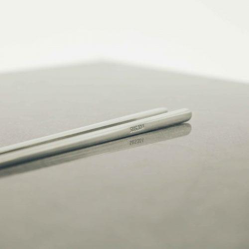 modern-silver-titanium-chopsticks-2
